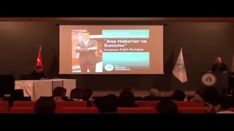 Üsküdar Üniversitesi Fatih Portakal ile