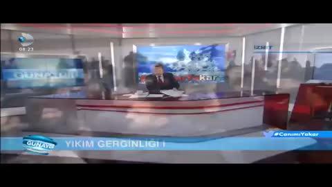 Üsküdar Üniversitesi'nde Minibüs Durağına Tepki