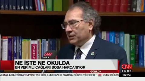 Gençler iş mi bulamıyor, işimi mi beğenmiyor? Prof. Dr. Nevzat Tarhan CNNTÜRK'e değerlendirdi.