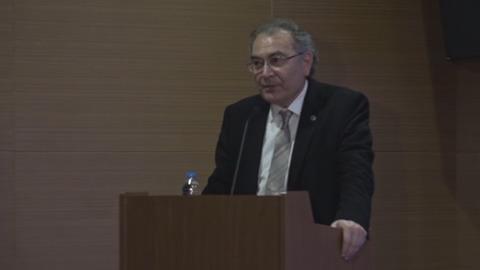 """Prof. Dr. Nevzat Tarhan: """"Savaşın mağduru çocuklar eğitimle geleceği hazırlanır"""""""